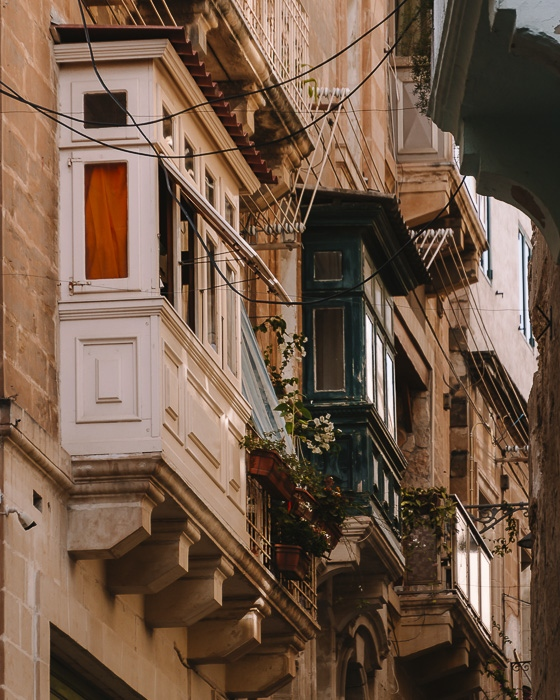 Malta travel guide Valletta balconies details by Dancing the Earth