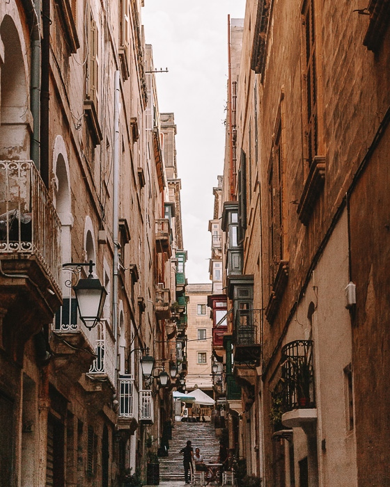 Malta travel guide Valletta narrow street by Dancing the Earth