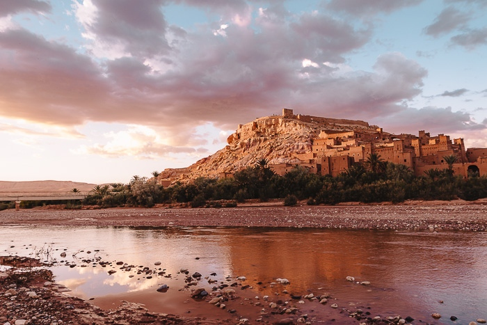 Morocco travel guide sunset in Ait Ben Haddou by Dancing the Earth