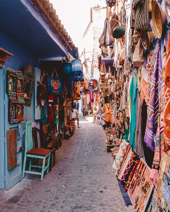 Morocco travel guide carpets shops in Chefchaouen medina by Dancing the Earth