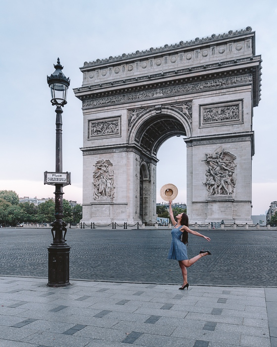 Early morning at Arc de Triomphe by Dancing the Earth