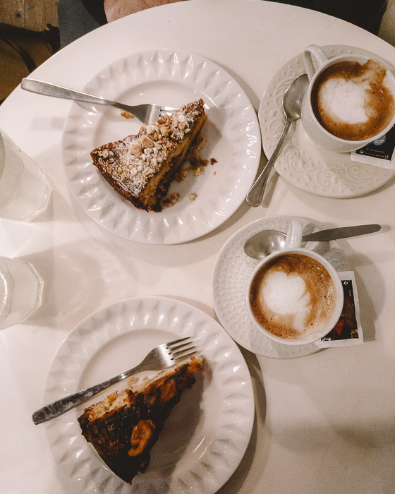 Cake at Chocolateria da Flores by Dancing the Earth