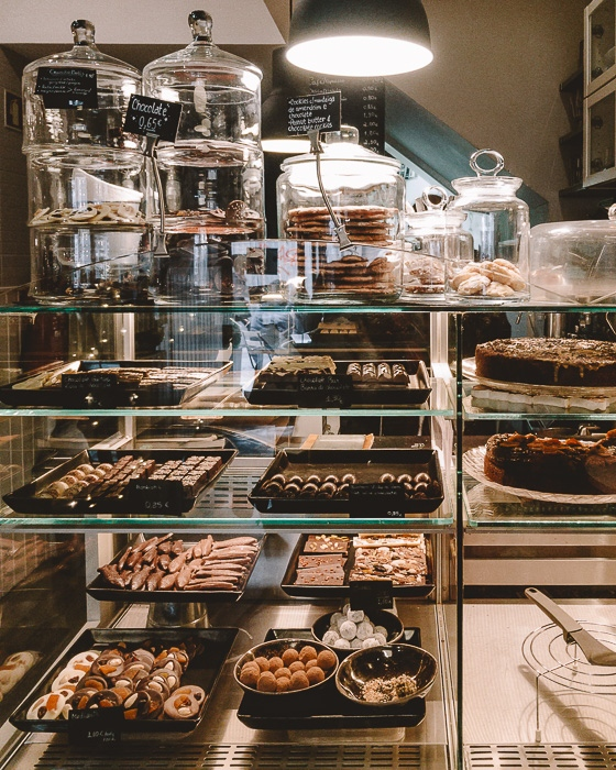 Porto weekend itinerary Chocolateria da Flores by Dancing the Earth